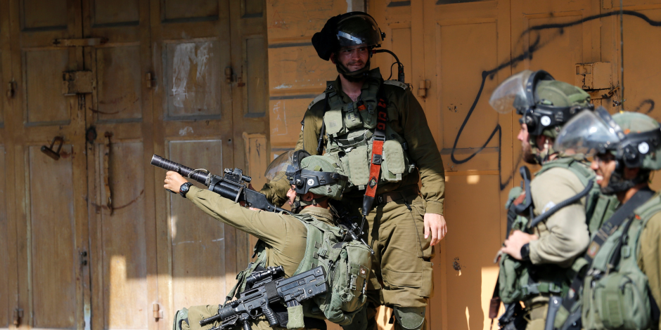 تفاصيل استيلاء قوات الاحتلال على كاميرات المحال التجارية لبلدة بيرزيت الفلسطينية