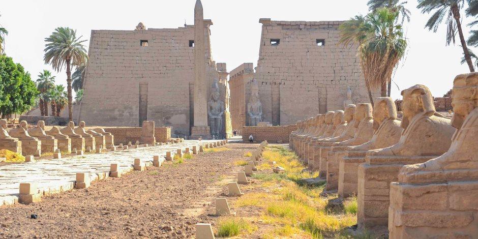 """""""الحقيقة"""" يكشف التفاصيل الكاملة حول نقل 4 تماثيل من طريق الكباش إلى التحرير"""