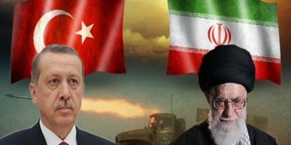 إيران على خطى تركيا.. الريال يهبط إلى أدنى مستوياته