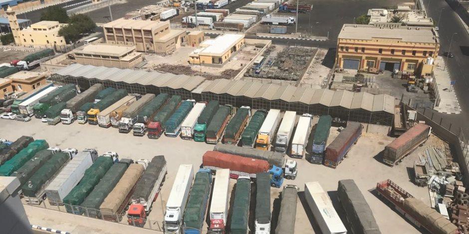 """الإفراج عن 500 شاحنة بضائع في البحر الأحمر.. البرلمان يرفع شعار """"موانئ مصر أولا"""""""