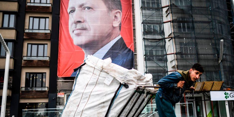 الليرة التركية في انهيار ووعود برفع سعر الفائدة