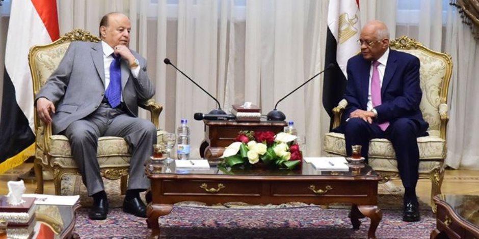 """تعرف على الرسائل المتبادلة بين مصر واليمن تحت قبة البرلمان بحضور """"عبدالعال"""" و""""هادي"""" (صور)"""