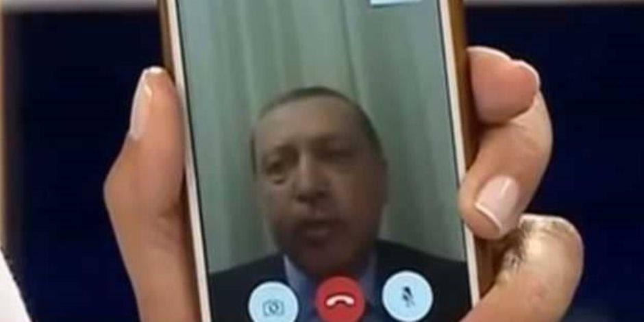 أردوغان ينقلب على هاتفه الشخصي.. سر عداء الرئيس التركي لـ«آيفون »