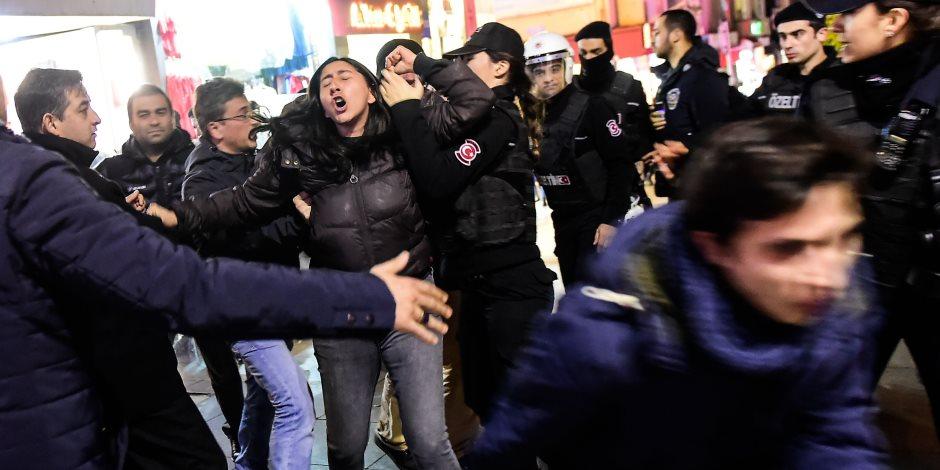 الوضع الاقتصادي يزداد سوءا في تركيا.. الاعتقال عقوبة المعترضين