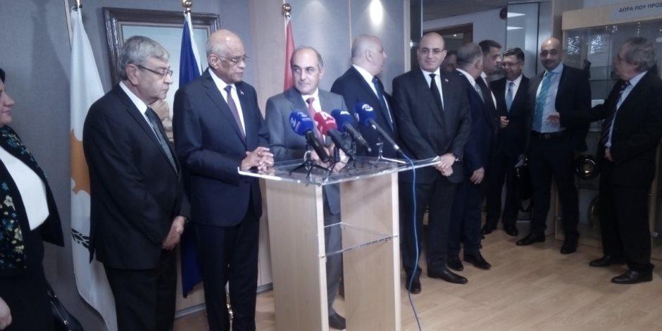 القاهرة تجدد دعمها لتوحيد الجزيرة.. ماذا قال عبد العال في قبرص عن تدخلات أردوغان؟