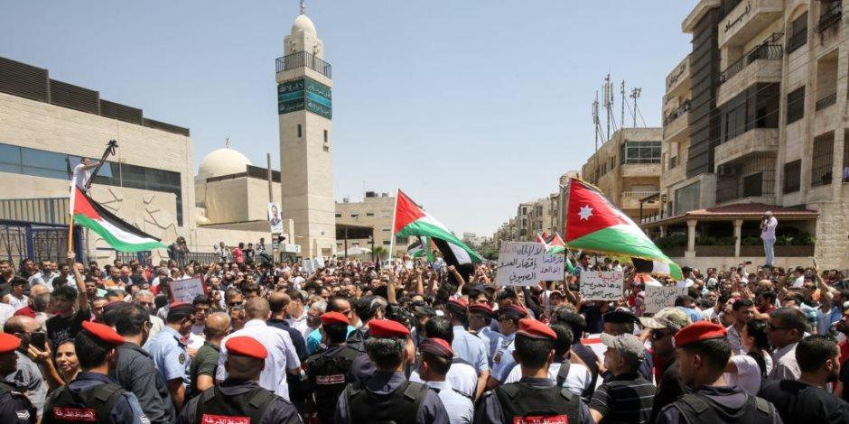 نقابة مُعلمي الأردن الإخوانية تُثير الفوضى.. «المعلم يتقاضى 634 دولاراً» ويدعون للاعتصامات