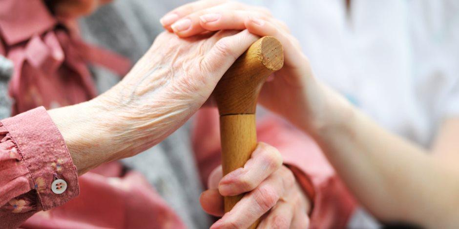 تزامنا مع اليوم العالمى لكبار السن.. «الإحصاء» يستعرض أهم المؤشرات الخاصة بالمسنين