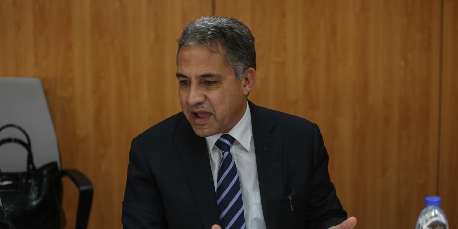 نائب برلماني لمحافظ دمياط: «مصارين البلد بنشوفها في مشاكل المواطنين».