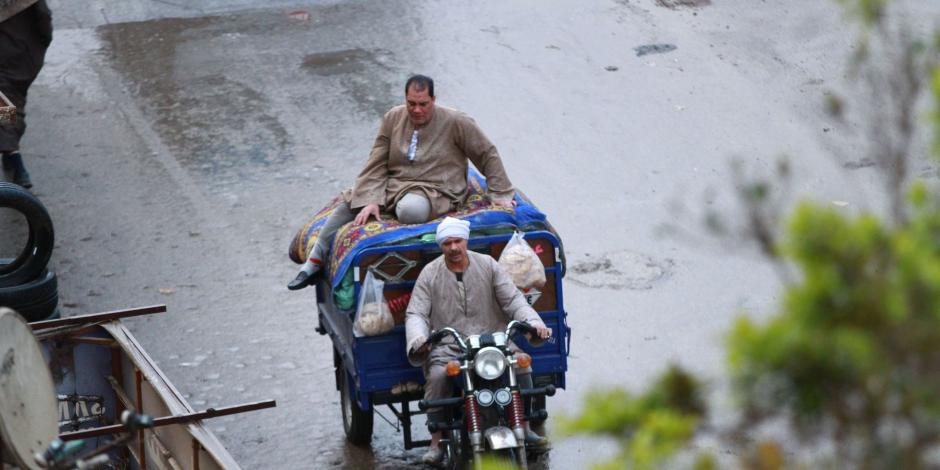 فرق طوارئ المياه تنتشر بالشوراع.. الطقس السيء يضرب المحافظات
