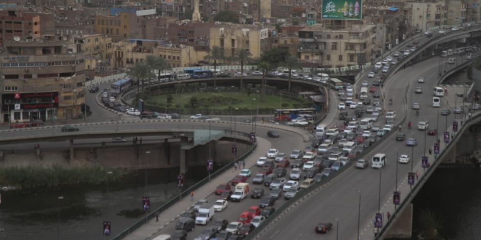 بعد سقوط حمولة «أسياخ حديد».. إعادة فتح الطريق أعلى دائري القاهرة الجديدة