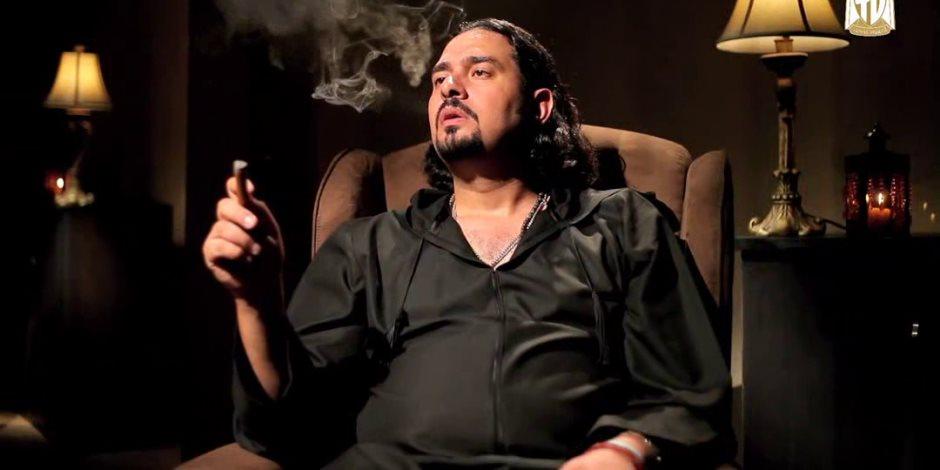 """وصفة سهلة اسمها إبراهيم الجارحي.. كيف تصنع """"إله من العجوة"""" على السوشيال ميديا؟"""