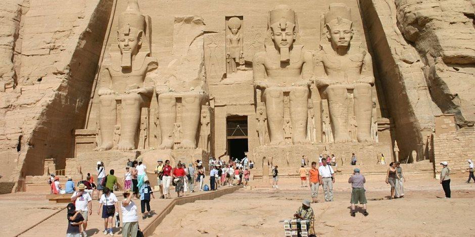 في نقاط.. تعرف على ظاهرة تعامد الشمس على معبد أبو سمبل