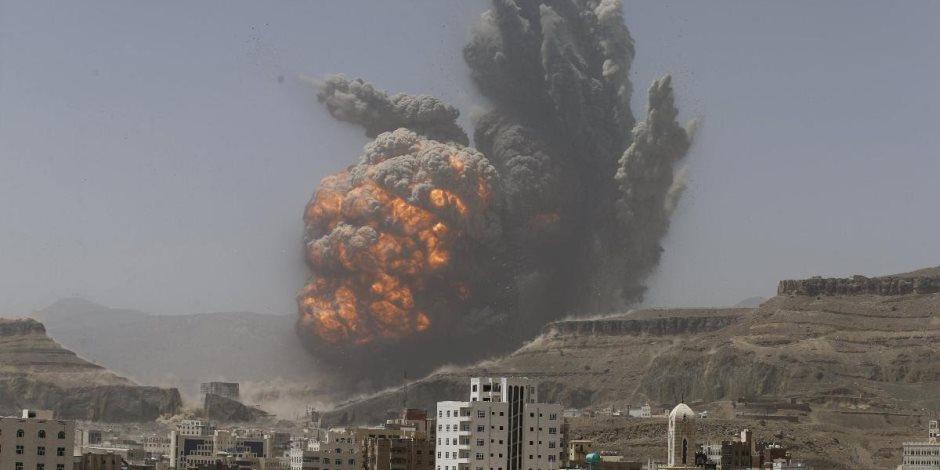 """الحوثي يواصل جرائمه.. التحالف يعترض """"مفخخة"""" للميليشيات الإيرانية ويدمر ورش تركيب صواريخ"""