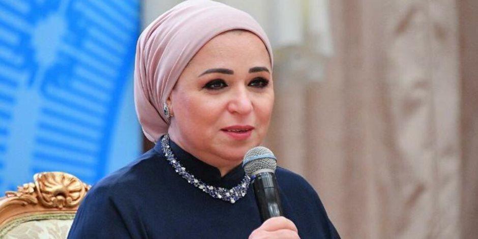 بعد لقائها بعدد من الشباب في حضور الرئيس.. ماذا قالت انتصار السيسي على هامش منتدى شباب العالم؟(صور)