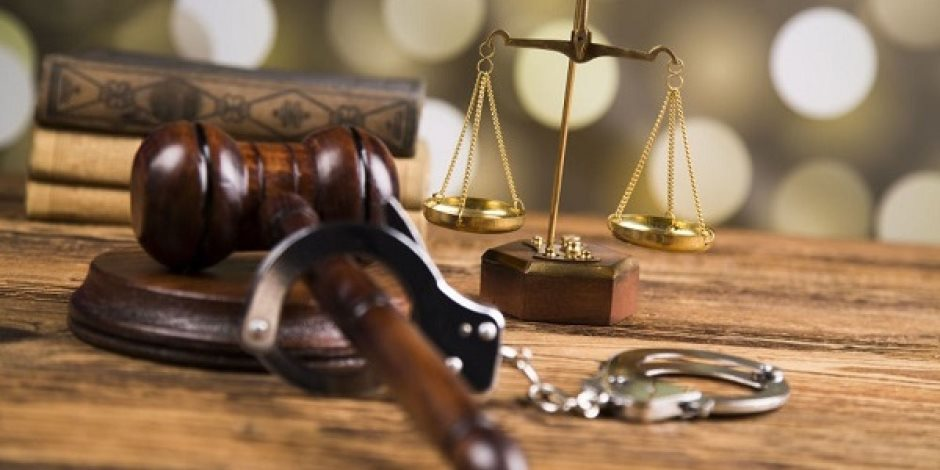 في أولى جلسات محاكمة الأب معذب طفلته: «الشروع في القتل» في انتظاره