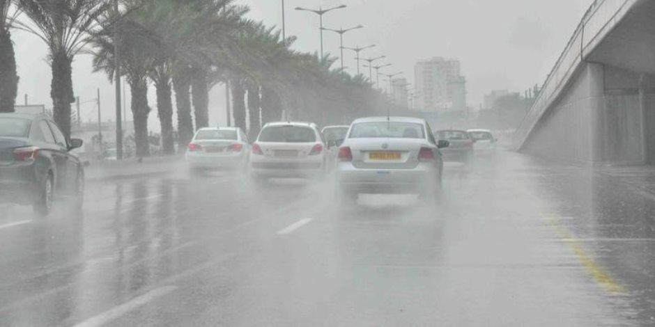 """المرور يغلق طريق """"مرسى علم - شلاتين"""" فى الاتجاهين بسبب السيول"""