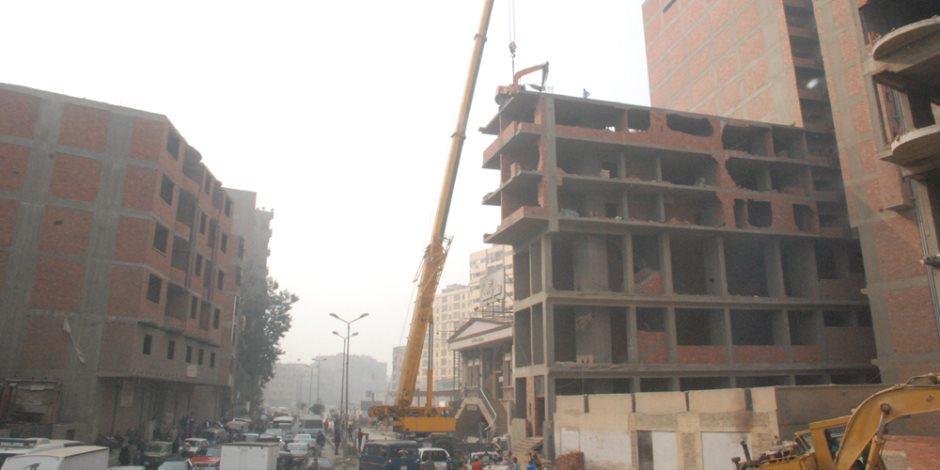 ضربة جديدة لأباطرة البناء المخالف.. قطار الإزالات يدهس حيتان الأبراج في الجيزة