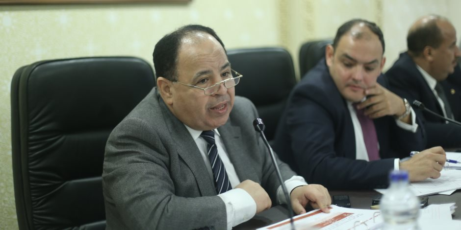وزير المالية: لا زيادة في أسعار البنزين والسولار بعد فرض رسوم جديدة