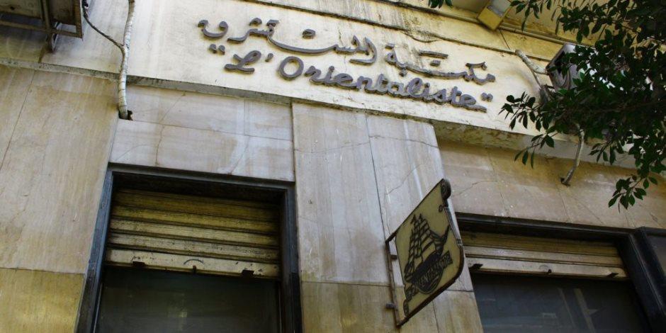 """متى تتحرك الحكومة لحماية مكتبة """"المستشرق"""" للفنان الراحل حسن كامى؟"""