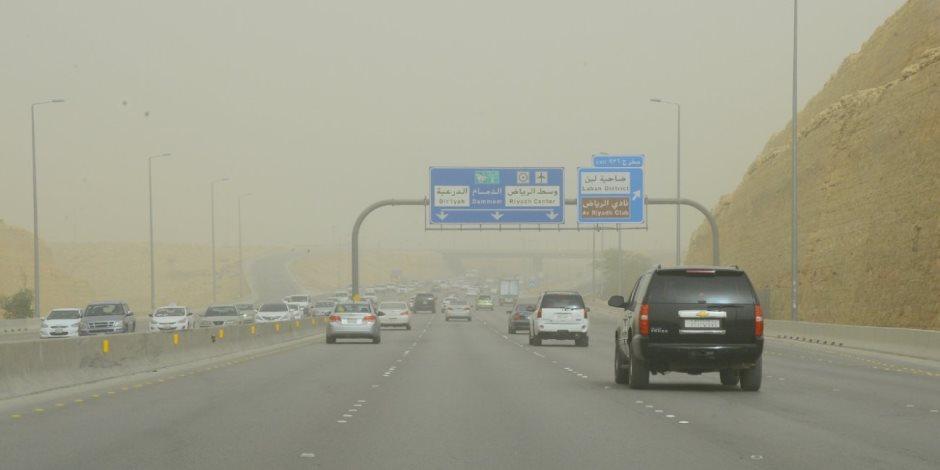 طقس الخليج.. حارًا بالكويت وسحب ركامية بالإمارات والسعودية