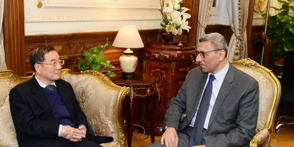 مصر والصين ايد واحدة.. تفاصيل زيارة سفير الصين إلى البرلمان (صور)