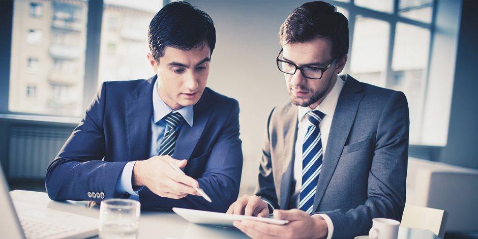 القطاع الخاص بيشتغل أكتر.. تعرف على عدد ساعات العمل التي يقضيها الموظفون