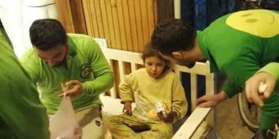 وجبات ساخنة لأطفال الشوارع بالزقازيق ضمن مبادرة حياة كريمة (صور)