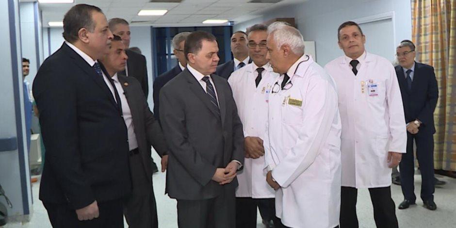 وزير الداخلية يزور المصابين في حادث الدرب الأحمر الإرهابي