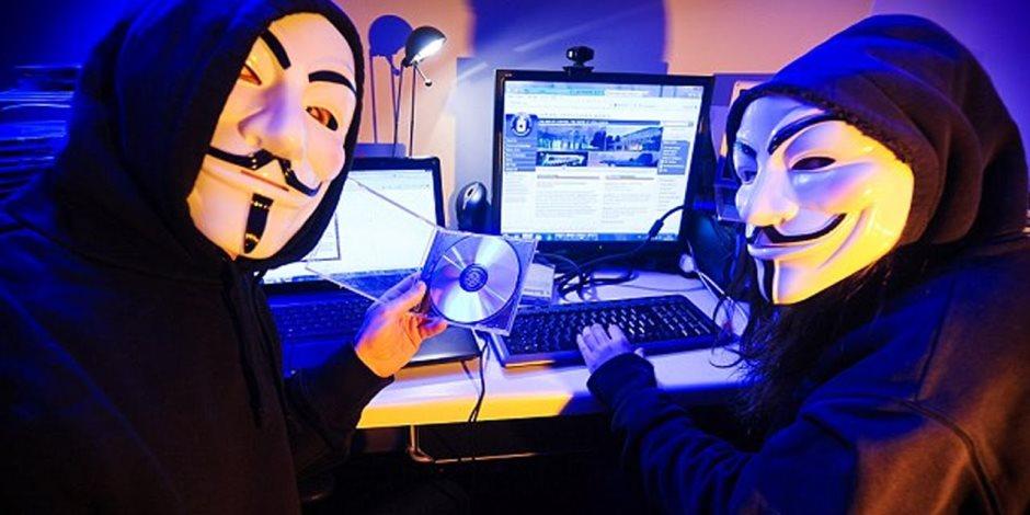 كل شيء انكشف وبان.. صفحات الضلال الإرهابية على السوشيال ميديا