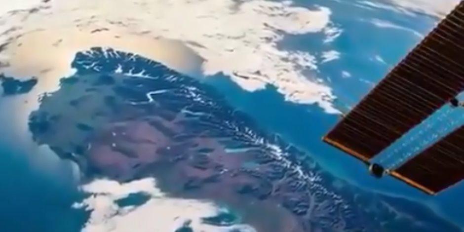"""فيها كل جديد.. فيديو منتشر في الهند يظهر """"بروز أرض"""" من تحت الماء بشكل مفاجئ"""