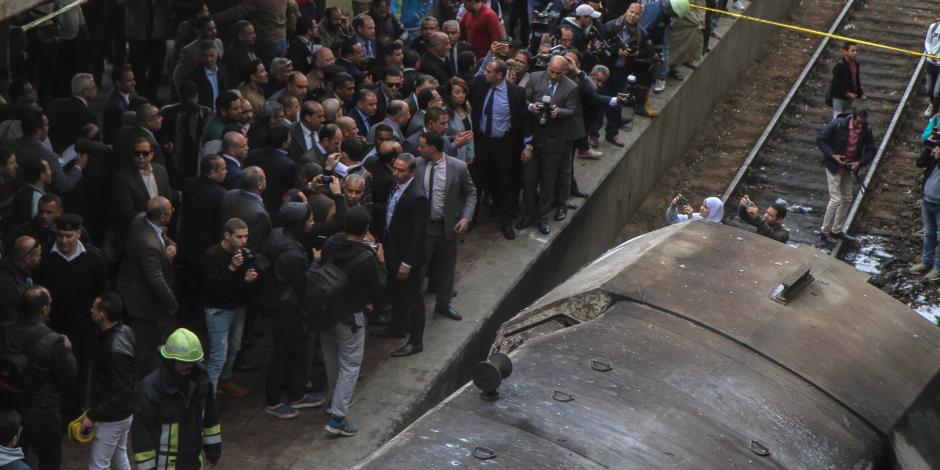 رئيس الوزراء يطالب بفتح تحقيق فوري في حادث محطة مصر .. ويُشّدد: أي خطأ أو إهمال أو تقصير سيواجه بحساب عسير