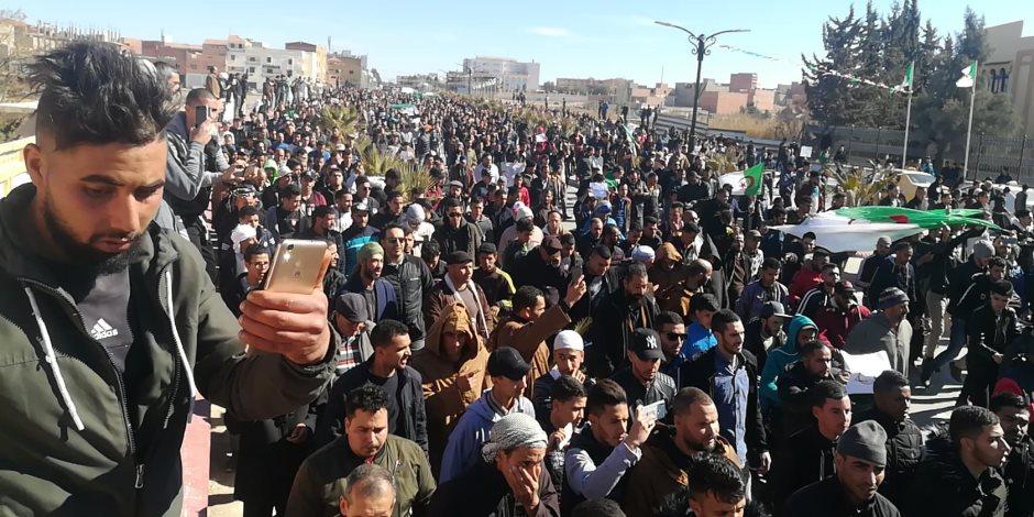 في الذكري الثانية للحراك.. انتشار أمني مكثف خوفا من اشتعال المظاهرات بالجزائر