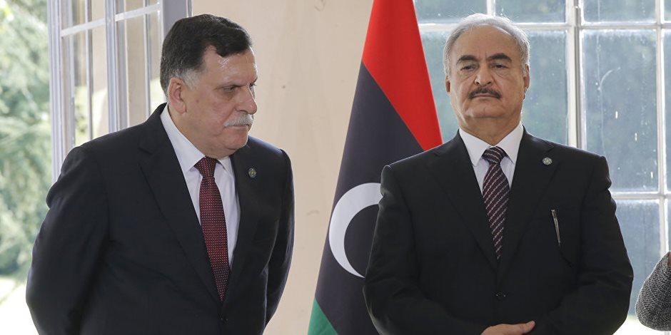 عدم توافق الليبيين يشعل الصراع.. ماذا قال «السراج» بشأن لقائه مع «حفتر» في أبو ظبي؟