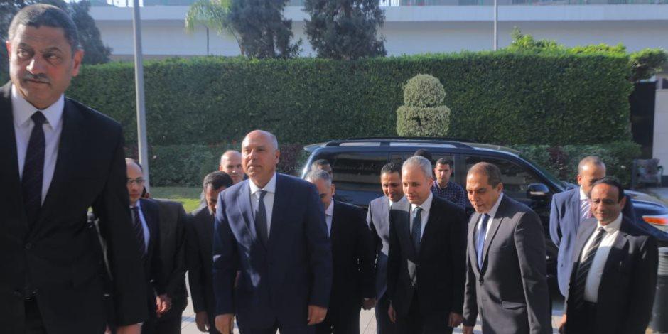 كامل الوزير يتابع سير العمل بمحطة مصر اليوم كأول مهامه بعد اليمين الدستورية
