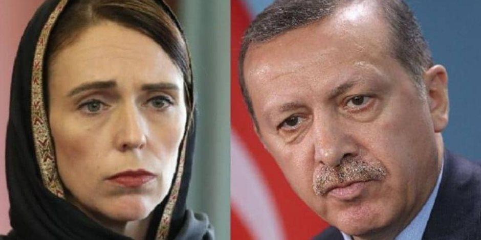 موقفان متناقضان في «مذبحة المسجدين».. هكذا فضحت «أرديرن» المدعى «أردوغان»