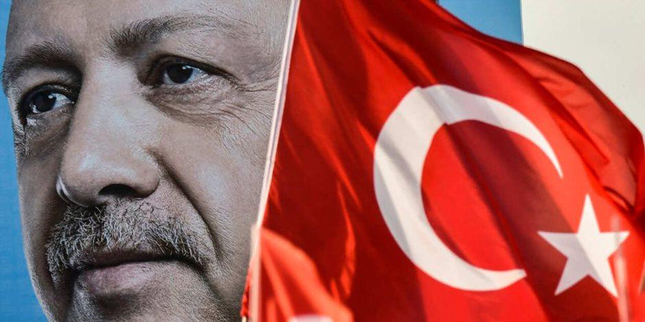 على عهدة المونيتور الأمريكية.. أردوغان الجيش التركي
