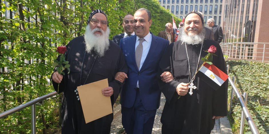 أسقف الكنيسة الأرثوذكسية بألمانيا يقود وفدا كنسيا للمشاركة في الاستفتاء