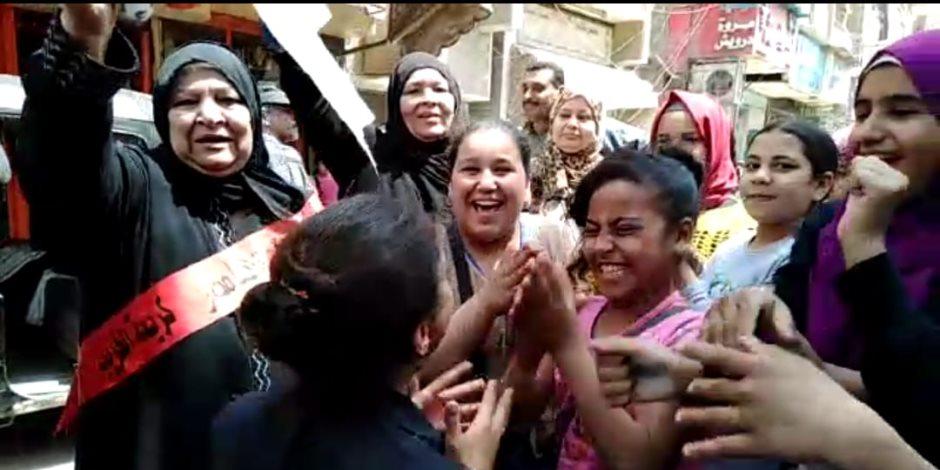 صغار السن يشاركون فرحة أهاليهم بالاستفتاء على التعديلات الدستورية (صور)