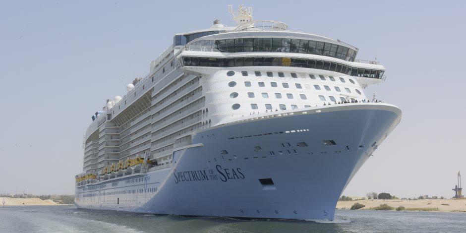 ادخلها بسلام آمنين.. قناة السويس تحتضن أحدث سفينة ركاب بالعام (صور)