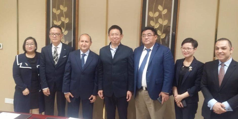 تفاصيل اجتماع وزير الصناعة مع 3 شركات صينية الاستثمار في الزجاج والسيارات والجلود