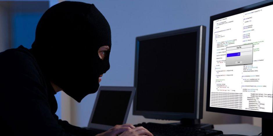 «الحجب» أبرز الأدوات.. كيف تصدى القانون لجريمة نشر الشائعات إلكترونيا؟