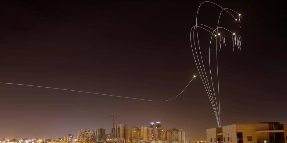 اعترضت 240 صاروخا من أصل 690.. «القبة الحديدية» في عيون الإعلام الإسرائيلي