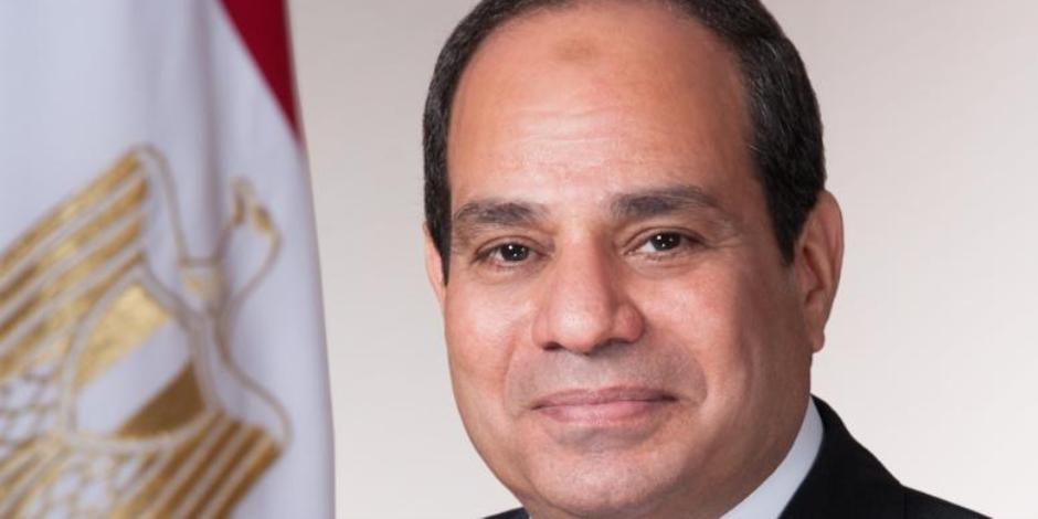 كلنا واحد مع السيسى.. مغردون يدعمون الرئيس: فخر مصر الله يحفظك ويسدد خطاك