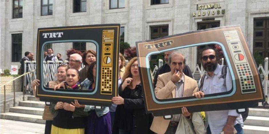 أردوغان يمكن الإخوان من السيطرة على مبني التلفزيون التركي لتحسين صورته (صور)