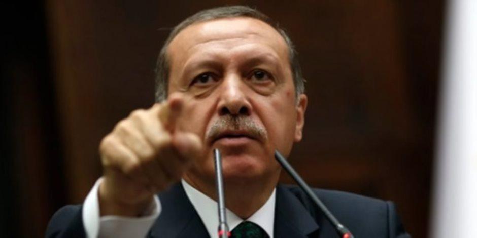 الاقتصاد التركي يواصل السقوط.. مآسي تُجبر شركات مطار اسطنبول على بيع حصتها