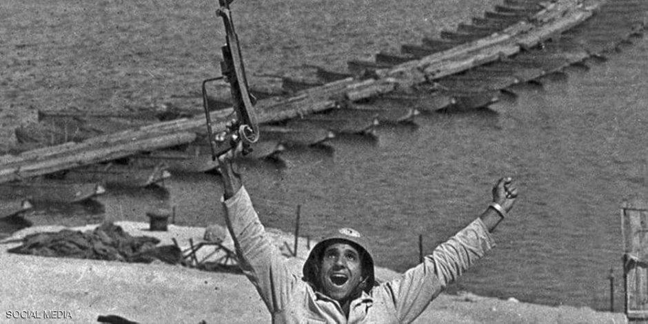 """«عاش بطلا ومات بطلا».. وفاة صاحب """"أشهر صورة"""" في حرب أكتوبر"""