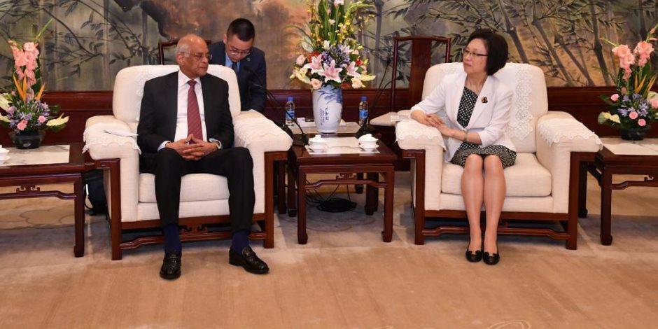 تفاصيل لقاء «عبدالعال» ومديرة لجنة شنغهاى بمجلس نواب الشعب الصيني