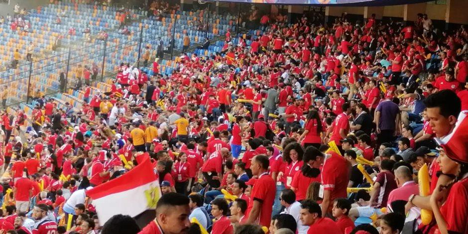 شجع مصر.. الأمم الإفريقية تنعش تجارة الأعلام المصرية..  والسعر يبدأ بـ 2.5