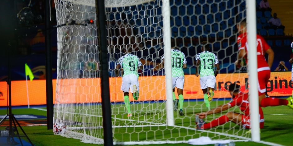 تونس ضد نيجيريا.. النسور الخضراء تتفوق بهدف إيجالو فى الشوط الأول