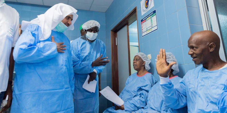 أمين عام رابطة العالم الإسلامي يدشن مشروعات إغاثية وتنموية في السنغال (صور)